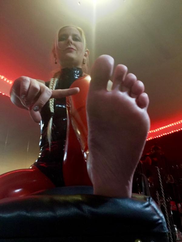Evilena Foot